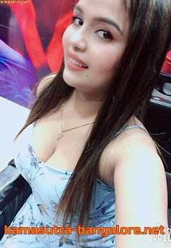 Aashi female escort service in bangalore